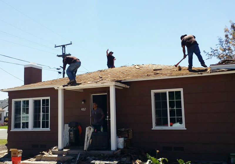 Roofing contractor in San Diego, CA